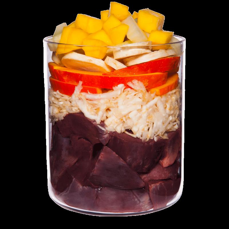 Vitello con radice di prezzemolo, mango e ribes nero