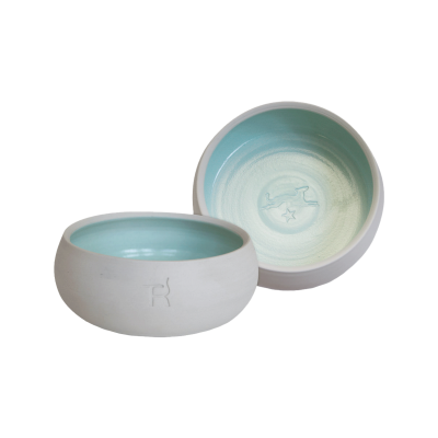 Ceramic dog bowl – natural colour / mint