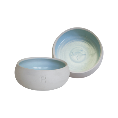 Ceramic dog bowl – natural colour / light blue