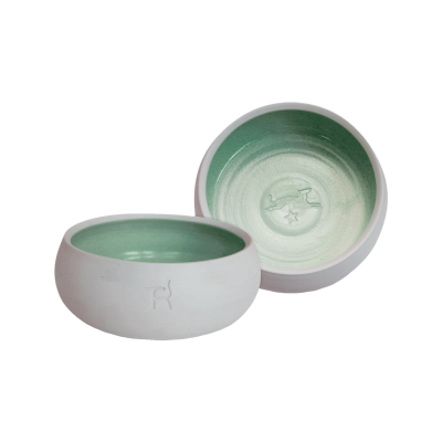 Ceramic dog bowl – natural colour / dark green